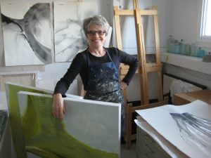 abstract visual artist nancy simmons smith in her studio